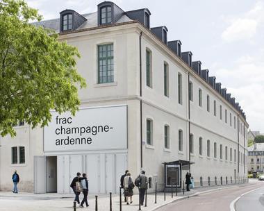 FRAC Champagne-Ardenne © Martin Argyroglo.jpg