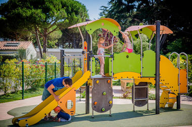 Varennes-jeux-enfants-iledere.jpg