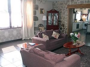 Neuvy Bouin-Bonninière1-salon-sit.jpg