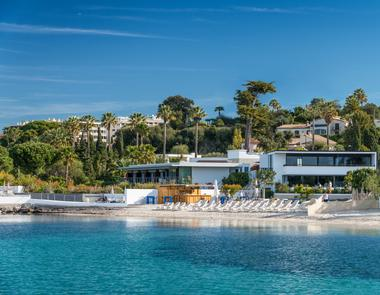 View from the sea - Cap d'Antibes Beach Hotel - R&C.JPG