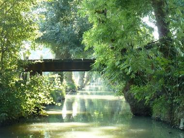 Embarcadere-de-l-abbaye-marais-poitevin-maillezais-85420-7.jpg