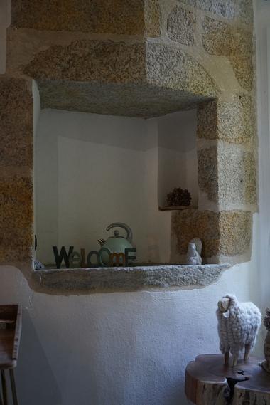 moutiers-sous-chantemerle-chambres-dhotes-bocage-de-la-belle-histoire-chambre1-detail-welcome.jpg