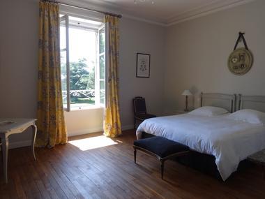 Loublande-chateau saint-georges-chambre Louise1-sit.jpg