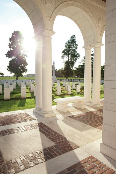 Vue dans le Touret Military and Cemetery - Richebourg.jpg