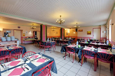 Bar_Restaurant_Chez_Marie_The_Ploerdut®Kardous (1).jpg