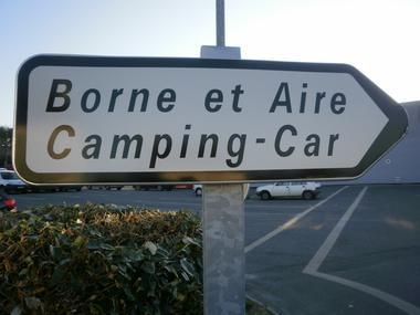 Aire_CampingCar_GuemenesurScorff (2).JPG