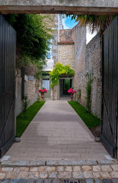tn_La maison Douce ile de Ré - Le Jardin (47).jpg