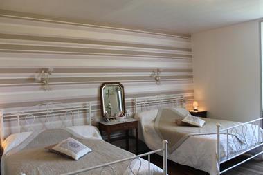 Chambres_hotels_chatelet_de_jayac (3).jpg