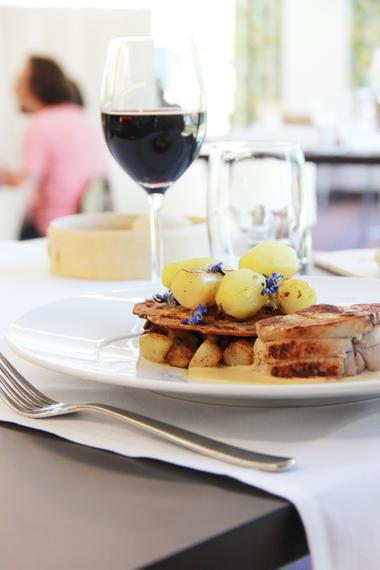 3 -Plat - Filet de veau rôti crème d'asperges - Restaurant - 08 07 2015 (1).JPG