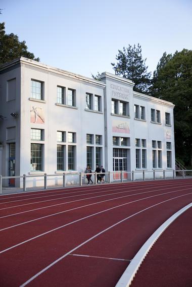 Le gymnasme Art déco du Stade-Parc de Bruay-La-Buissière © Brigitte Baudesson