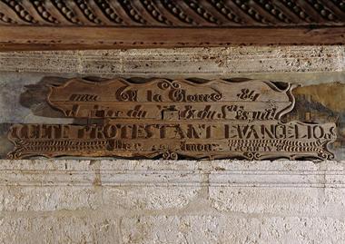 Talcy, cheminée salle des gardes 1 © David Bordes - Centre des monuments nationaux.jpg