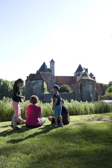 Visites guidées château Olhain - Copyright  Brigitte Baudesson  Béthune-Bruay Tourisme.jpg