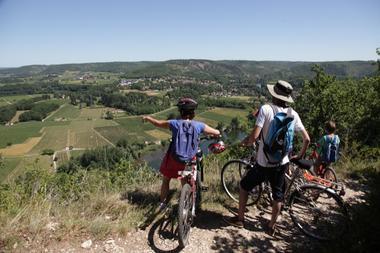 VTT en famille - Vallée du Lot--© Lot Tourisme - P. Foresti-Mediart360.jpg