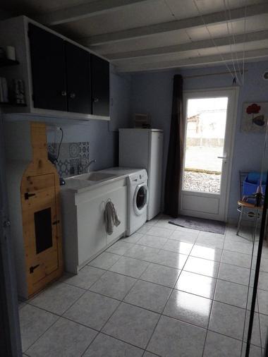 bressuire-chambre-dhotes-letoile-filante-buanderie-kitchenette.jpg