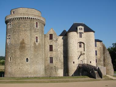 chateau-saint-mesmin-DSC07760-sit.JPG
