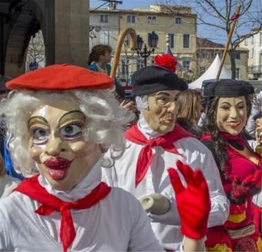 Excursion en minibus - La Blanquette de Limoux- le premières bulles de l'histoire! 1.jpeg