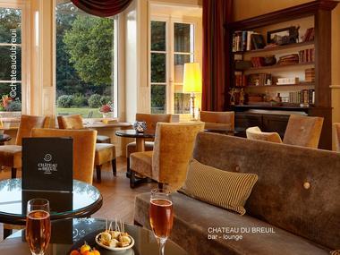 Chateau-du-Breuil---Salon-bar.jpg