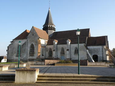 Eglise Saint-Laurent Bouilly.JPG