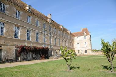 Bâtiments monastiques de la Maison-Dieu - Montmorillon ©Béatrice Guyonnet (6).JPG