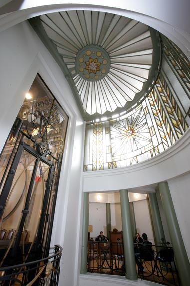 Hôtel de Ville Béthune maître-verrier - Copyright Michel Guilbert.jpg