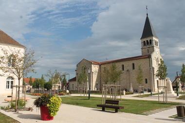 Virey-le-Grand-patrimoine-eglise-mairie-OT (1).JPG