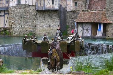 Les-Chevaliers-de-la-Table-Ronde-2.jpg