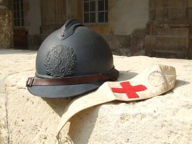 casque et brassard infirmier.JPG