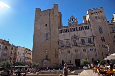 Place de l'hotel de ville - crédit photo Lisa Debande - Ville de Narbonne.jpg