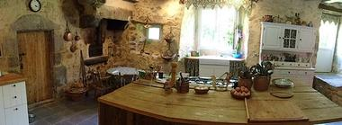 la foret sur sevre-la ferme fortifiee-cuisine2-sit.jpg