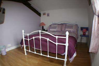 saint-paul-en-gatine-gite-au-marcassin-chambre1.jpg