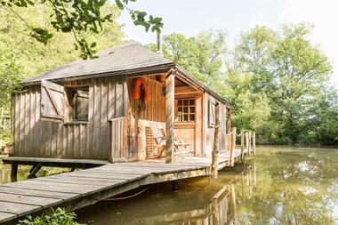 Cabane sur l'eau Martin Pêcheur.jpg