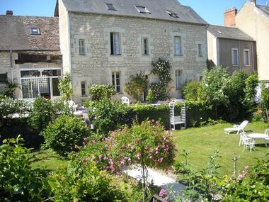 location-la-roche-posay-jardin.JPG