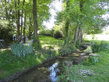 mauleon-chambres-dhotes-la petite vallee-jardinbis-sit.jpg