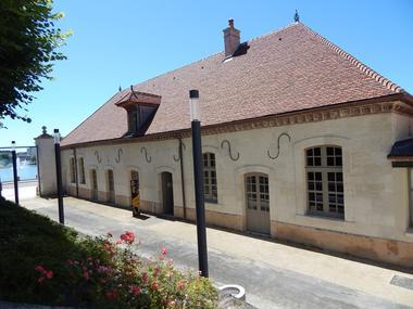 Vue extérieure Cité du vitrail © Cité du vitrail.JPG