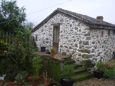 La Foret-sur-sevre-gite-de-PeachCottage-facadebis-sit.jpg