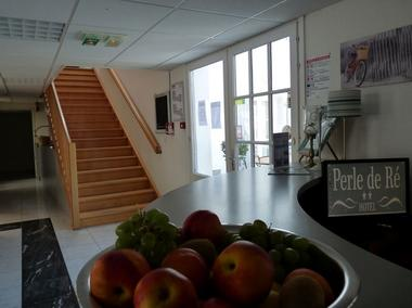 apparthotel-perledere-iledere-lacouarde-hall-entree-reception.JPG