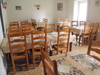 courlay-restaurant-courlis-salle2.jpg