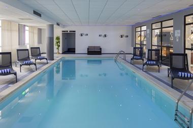Hotel Mercure Piscine.jpg