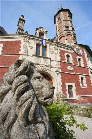 chateau-aubry-du-hainaut-facade renaissance.jpg