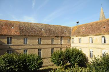 Bâtiments monastiques de la Maison-Dieu - Montmorillon ©Béatrice Guyonnet (4).JPG