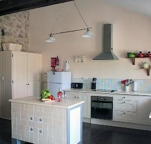 Neuvy Bouin-Binninière2-cuisine-sit.jpg