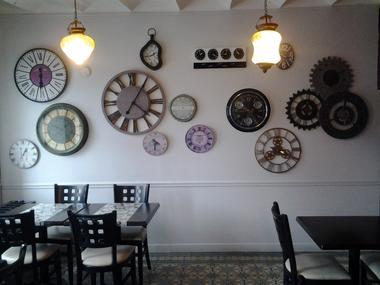 Le Bistrot de Lolo - Saultain -  Restaurant - Décor Horloge (1) - 2018.jpg