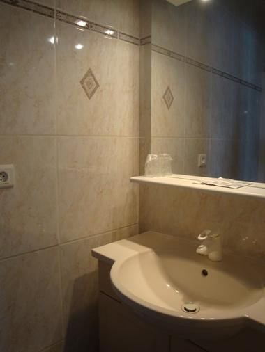 salle-d-eau-hotel-la-barbette-iledere.jpg