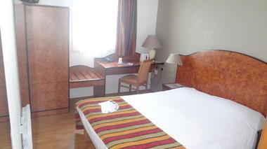 cottage-hotel-calais.JPG