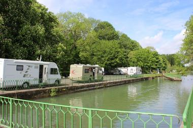 aire camping car st venant.jpg
