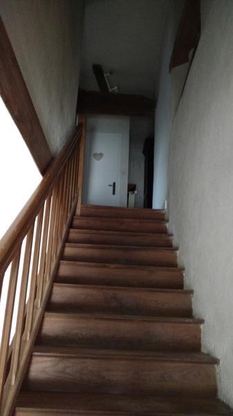 Combrand-gite-chez-papy-escalier-sit.jpg
