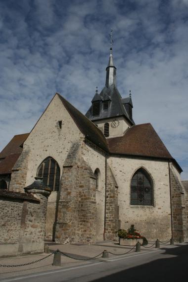 Eglise de Pont-sur-Seine extérieur.JPG