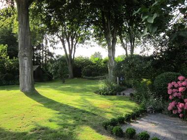 leschambourlettes-jardin.JPG