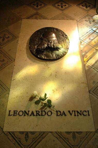 4.-Tombe-de-Leonardo-da-Vinci-.-Château-d'Amboise-©-A-Beato.jpg