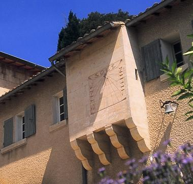 Château des Mourgues du Grès.jpg